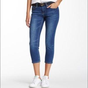 🍁 Max Jeans Dark Wash Whiskered Denim Capri